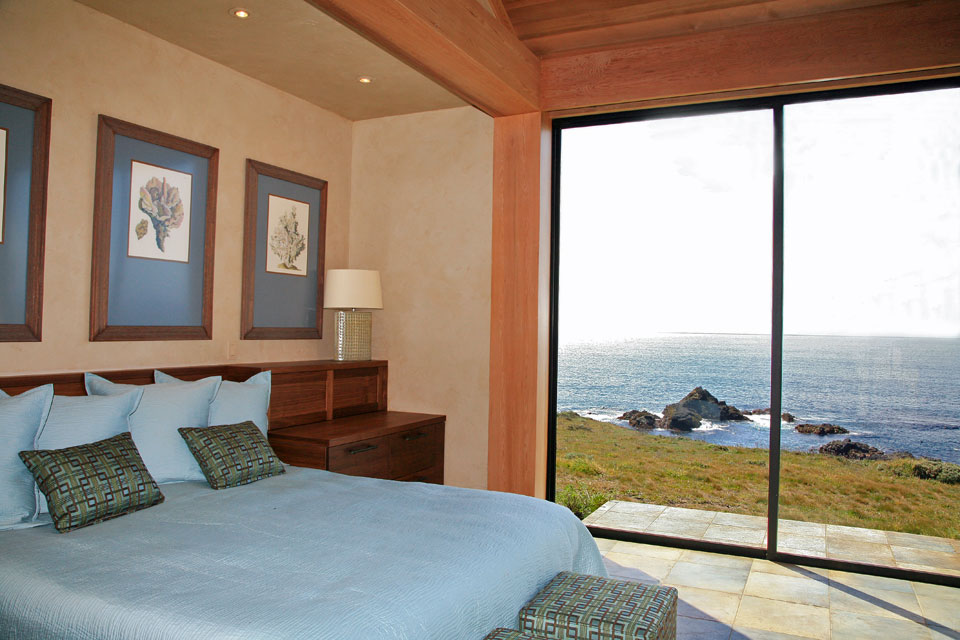 Waking up on the bluff-top, Sea Ranch bluff-top residence